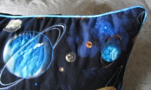 Piping on space cushion